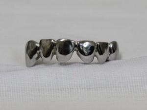 металлические зубные протезы